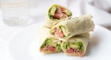 VIDEO: BLT wraps met avocado