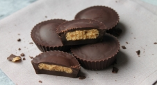 Peanut butter cups (homemade pindakaas)