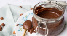 VIDEO: Homemade Nutella