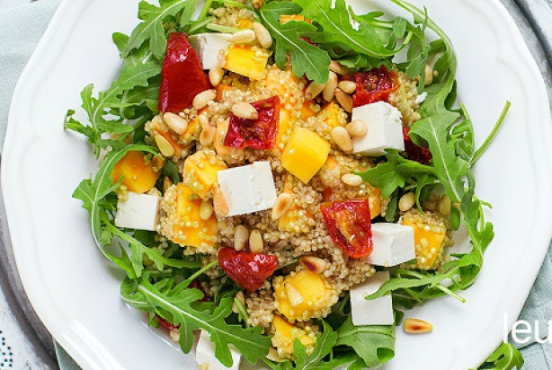 recept voor quinoa salade met mango en feta. Black Bedroom Furniture Sets. Home Design Ideas