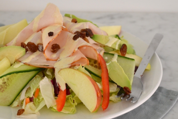 Recept voor salade met gerookte kip en appel - Krat met appel ...