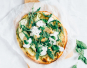 Veggie pizza met courgette en burrata