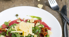Carpaccio met pestodressing