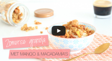 VIDEO: Supersnelle zomerse granola met gedroogde mango