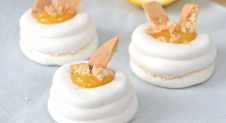 Lemon meringue pie bites