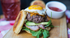 VIDEO: Breakfast burger