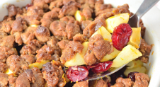 Gingerbread crumble met appel en cranberry