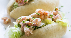 Lobster Roll met cocktailsaus