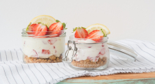 No bake aardbeien-citroen mini cheesecakes