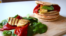 5 or less: Pita's met pittige halloumi