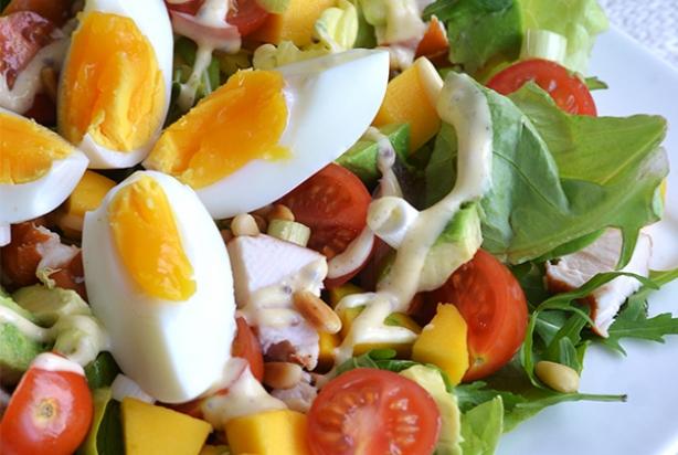 Zeer Recept voor salade met gerookte kip, avocado & mango - Foody.nl @YN91