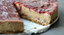 Video: Peanut butter and Jelly cheesecake