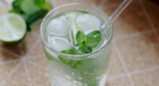 Kokoswater mocktail recept
