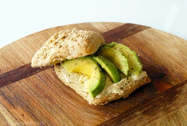 Recept Voor Brood Met Hummus En Avocado Foodynl