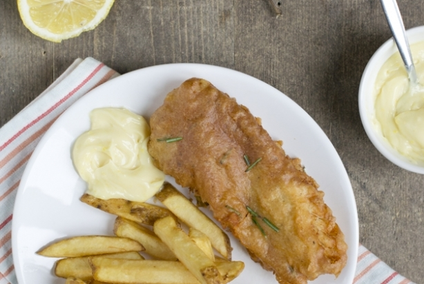 Gekruide Fish and Chips met citroenmayonaise