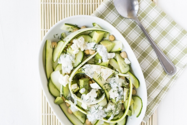 Fresh & Easy: Courgettesalade met muntdressing