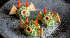 Halloween snack; Duivelse kaasballetjes! | Simone's Kitchen