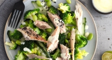 Broccolisalade met makreel en wasabidressing