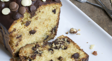 Chocolate chip cake (VIDEO)
