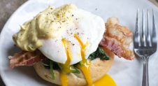 Bacon and Egg's Florentine (VIDEO)