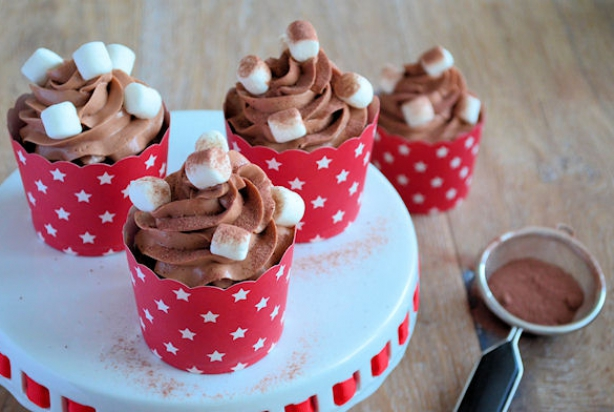 Advent 19: Chocolademelk Cupcakes