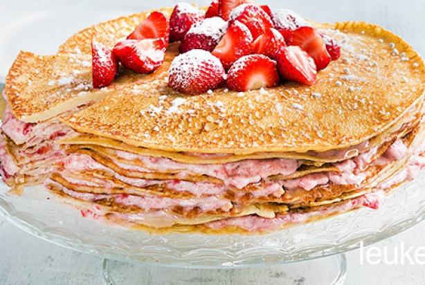 Recept voor pannenkoekentaart met aardbeien - Foody.nl