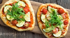 Vegetarische naan pizza