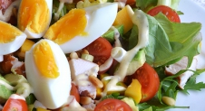 Super Healthy Sunday: Salade met gerookte kip, avocado en mango