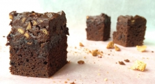 Sinter Sunday: Rocky road brownies met kruidnoten en taaitaai