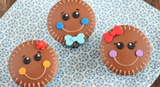 Gingerbread man cupcakes