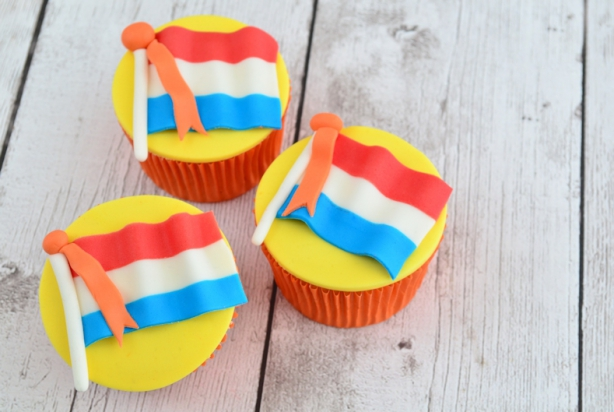 Video: Nederlandse vlag cupcakes