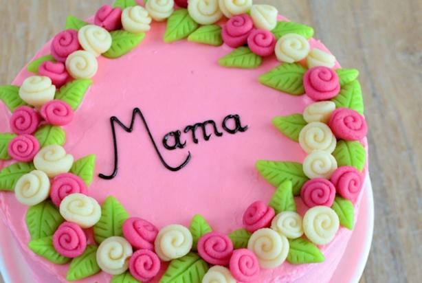 marsepein op taart Recept voor moederdag taart met marsepeinen rozen   Foody.nl marsepein op taart
